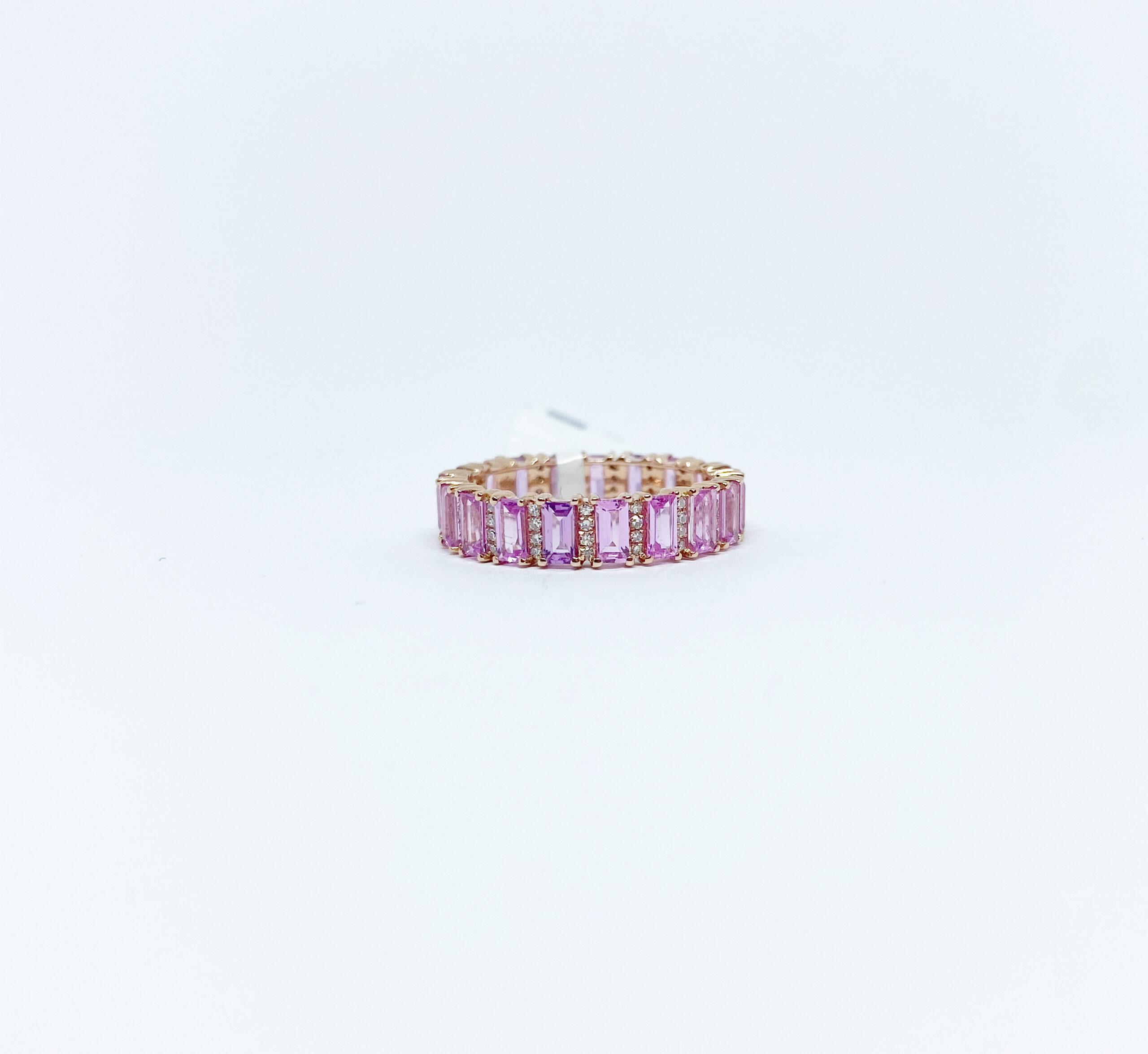 Anillo Completo de Zafiro Rosa con Diamantes